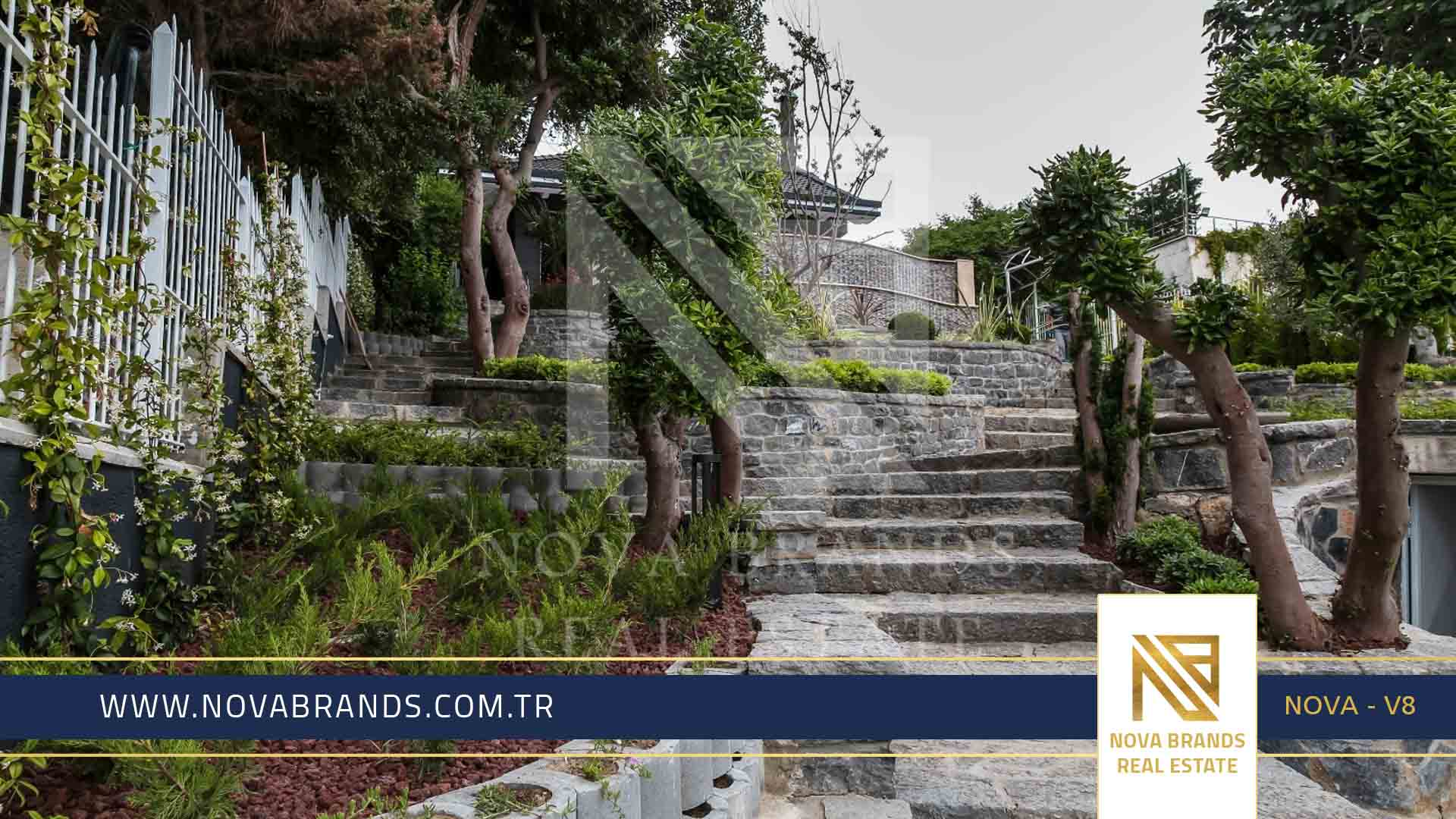 Villa for sale in Istanbul, directly on the sea, equipped with the latest advanced technology NOVA - V 8
